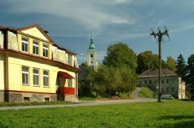 Hasičárna a kostel sv.Jiří